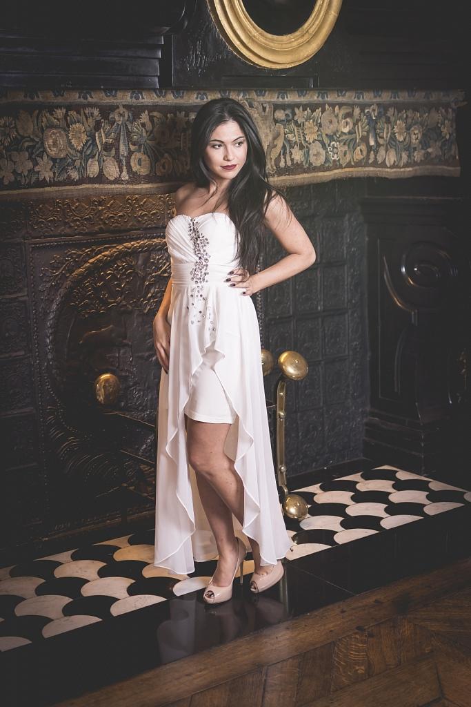 Model: Assia Sever - MUA: Jessy Lambert - Stylist: Didier Putter