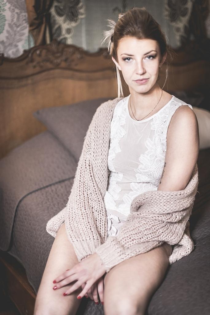 Model: Sara G.